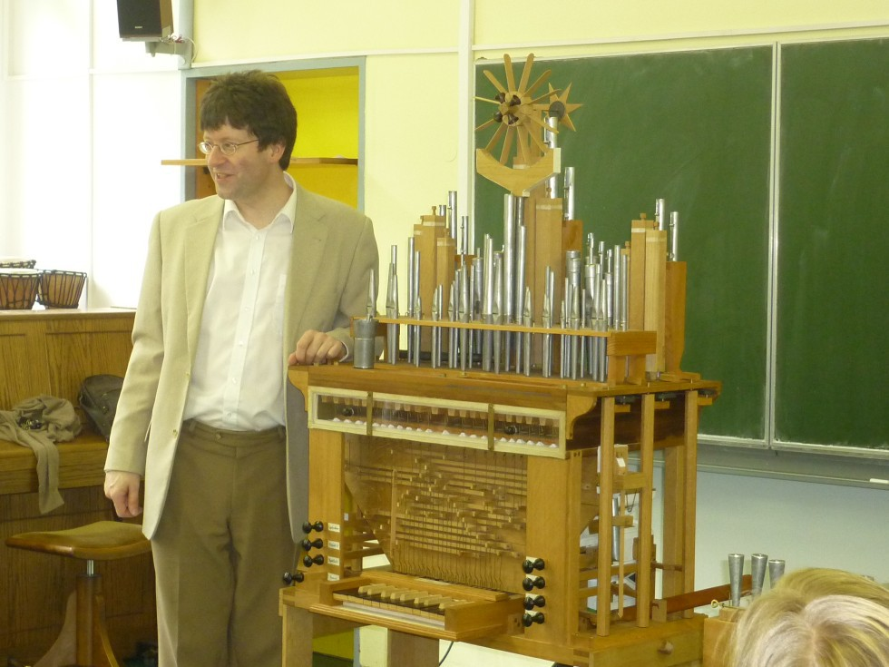 Orgel 15 009